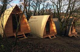 tentes-triangulaires-photo-cote-3
